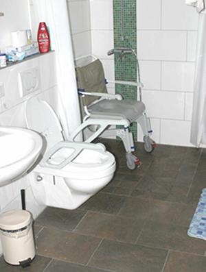 Altersgerecht gestaltete Toilette