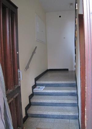 Zugang durchs Treppenhaus